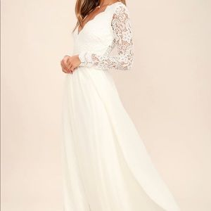 Lulu's Dress • Gorgeous Lace Long Sleeve Gown